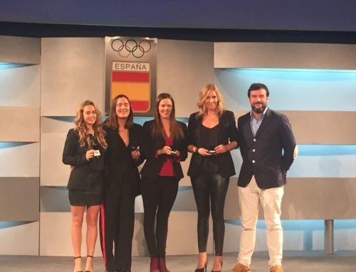 La RFEN reconeix la trajectòria esportiva de la sincronista Cristina Salvador