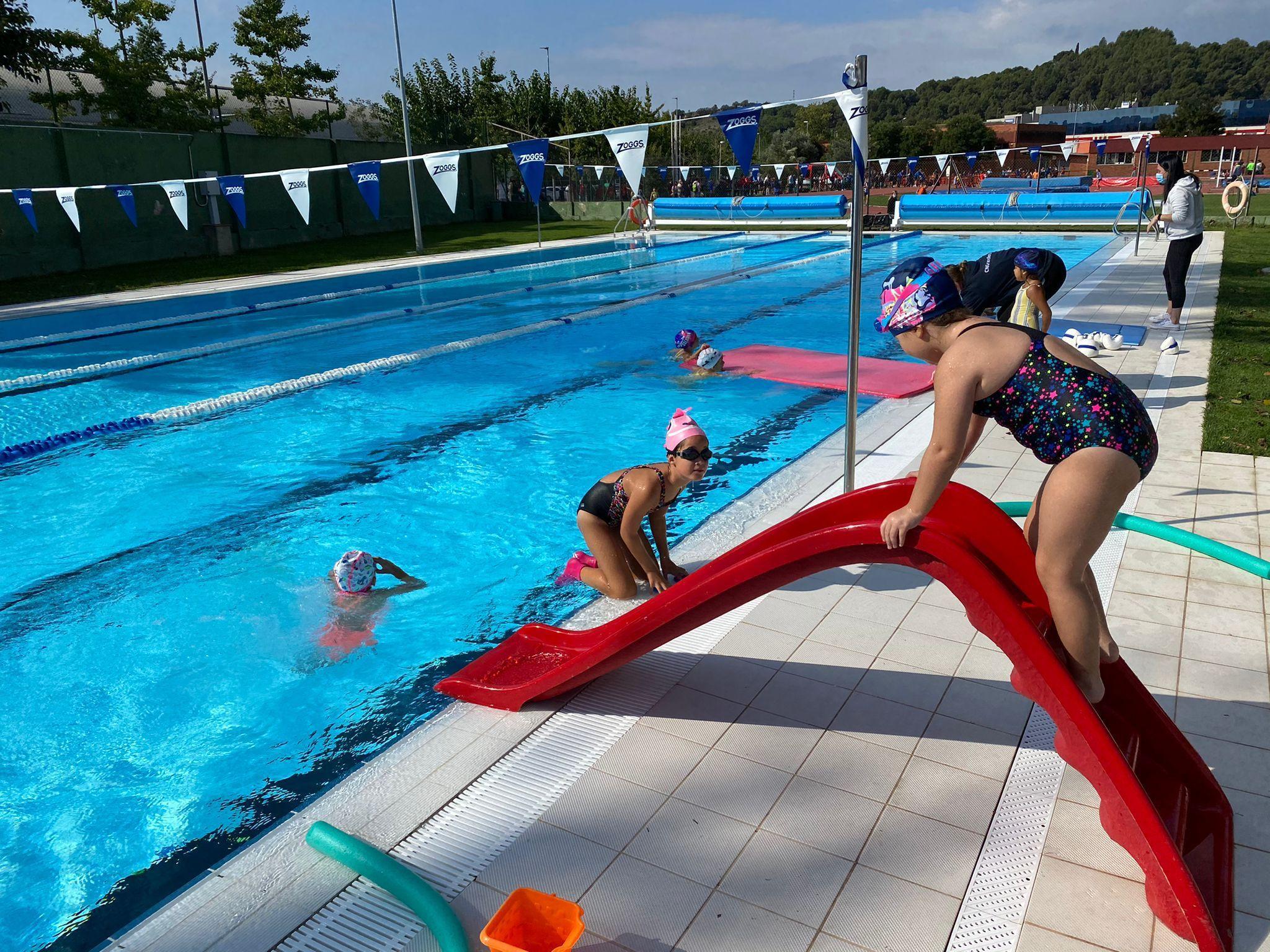 Participada Jornada Oberta per a conèixer la natació artística