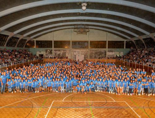 Prop de 550 esportistes abanderen la nova imatge del Club a la Festa dels Esportistes