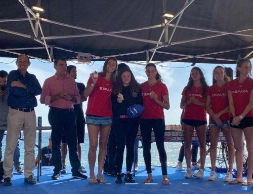 La nedadora d'artística Abril Conesa, segona de la Radikal Ocean52